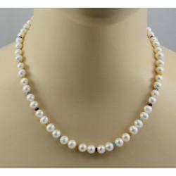 Weiße Perlenkette mit bunten Edelsteinen - 47,5 cm