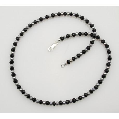 Spinellkette - schwarzer Spinell mit grauer Perle Halskette 45 cm-Edelsteinketten