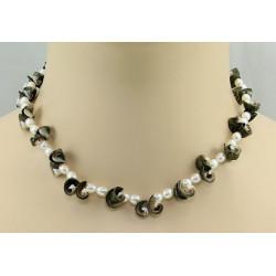 Perlenkette - weiße Süßwasser-Perlen mit Muscheln 42 cm