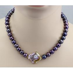 Perlenkette - runde dunkelbraune Süßwasser-Perlen mit großer Mittelperle
