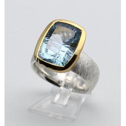 Blau-Topas Ring Millenium Cut in Silber mit vergoldeter Fassung Gr. 57-Silberringe