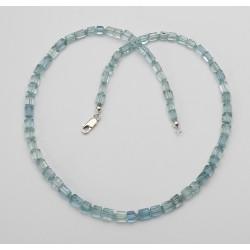 Aquamarin Kette - kleine hallblaue Aquamarin Kristalle in 50 cm Länge-Edelsteinketten