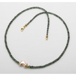 Saphir Kette grün facettiert mit Keshi-Perle in 48 cm Länge