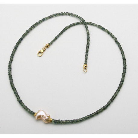 Saphir Kette grün facettiert mit Keshi-Perle in 48 cm Länge-Edelsteinketten